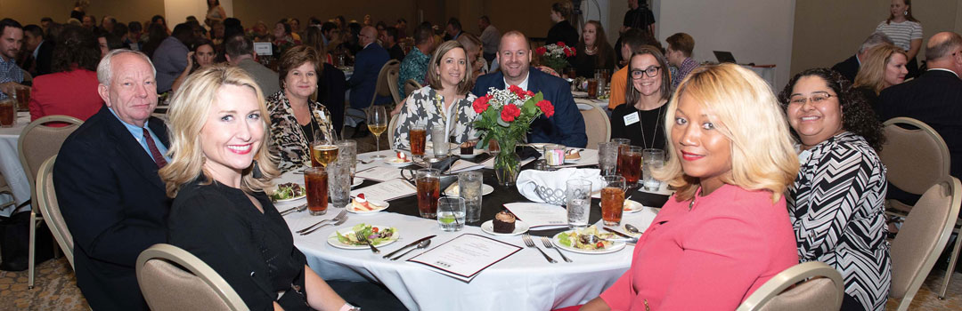 Chamber members enjoy the annual banquet.